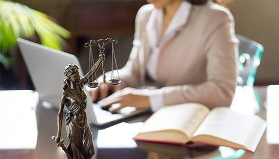 Legal consultant urges female lawyers to demand higher salaries